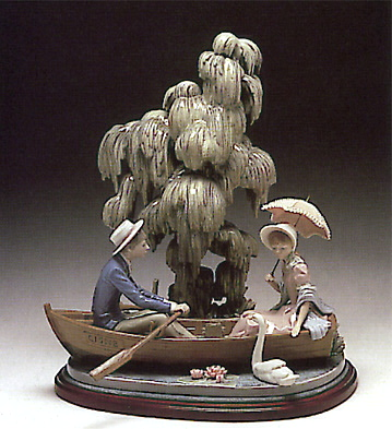 Couple On The Lake (b) Lladro Figurine