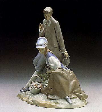 Couple Pastoral Lladro Figurine