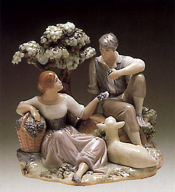 Couple Sitting W-lamb Lladro Figurine