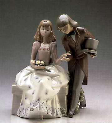 Courting Time Lladro Figurine