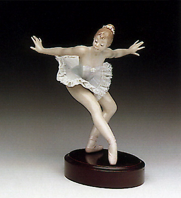 Curtain Call (b) Lladro Figurine
