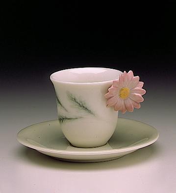 Daisyflower Cup With Sauc Lladro Figurine