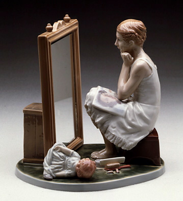 Day Dreamer Lladro Figurine