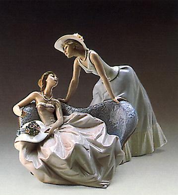 Debutantes Lladro Figurine