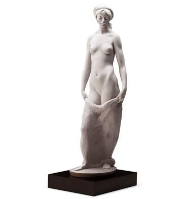 Demureness (l.e.) (b) Lladro Figurine