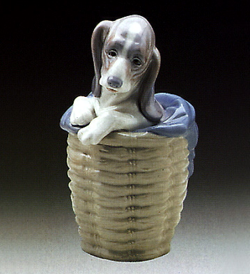 Dog In The Basket Lladro Figurine