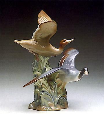 Ducks Flapping Lladro Figurine