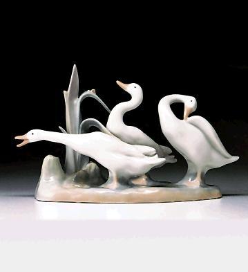 Duck's Group Lladro Figurine