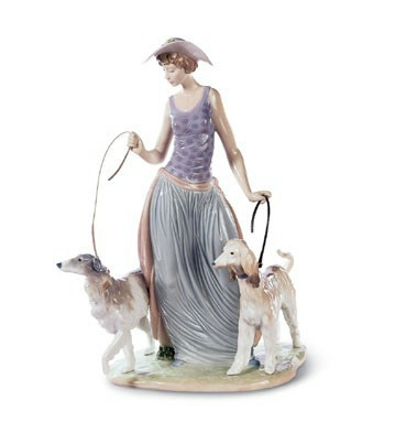 Elegant Promenade Lladro Figurine