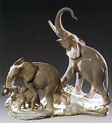 Elephant Family Lladro Figurine