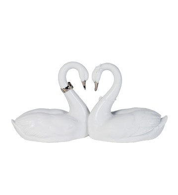 Endless Love (re-deco) Lladro Figurine
