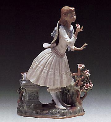 Exquisite Scent Lladro Figurine