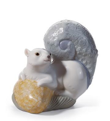 Festive Squirrel I Lladro Figurine