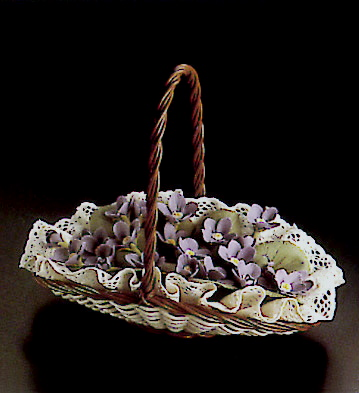 Flat Basket W/violets Lladro Figurine