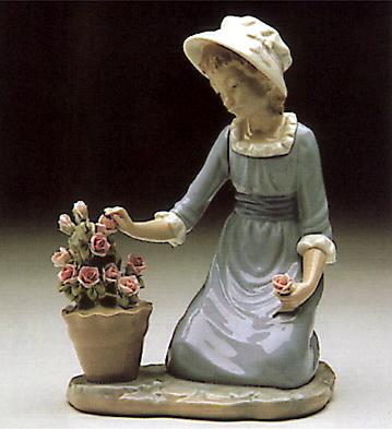 Flowers In The Flower-pot Lladro Figurine