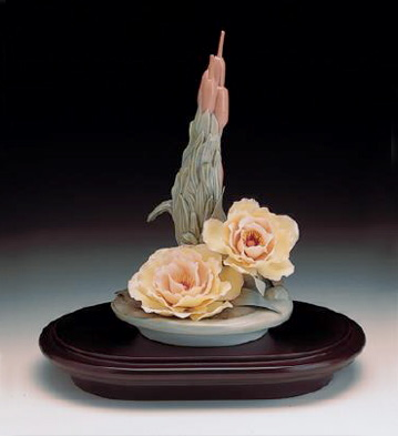 Flowers Of The Marsh L.e. Lladro Figurine