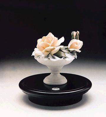 Fluvial Cup With Roses (l Lladro Figurine