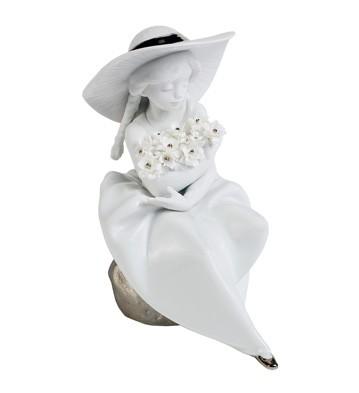 Fragrant Bouquet (re-deco) Lladro Figurine