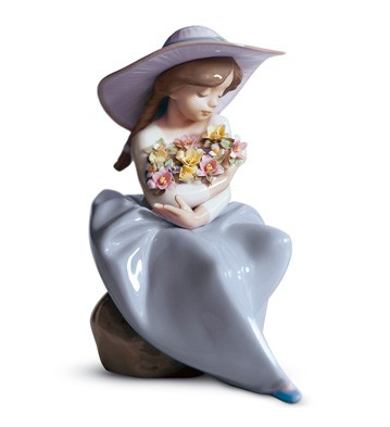 Fragrant Bouquet Lladro Figurine