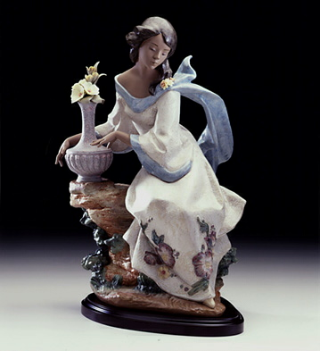 Garden Breeze Lladro Figurine