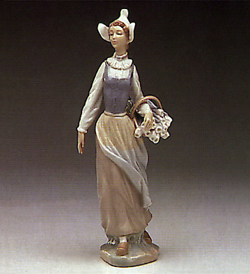 Genteel Dutch Girl Lladro Figurine