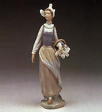 Genteel Dutch Girl Lladro Figurine