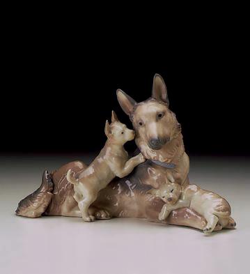German Shepherd W/puppies Lladro Figurine
