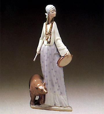 Gipsy Woman W/bear Lladro Figurine