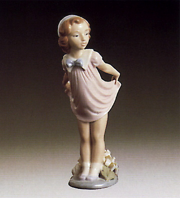 Girl Bowing Lladro Figurine
