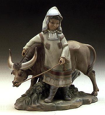 Girl From Manchuria Lladro Figurine