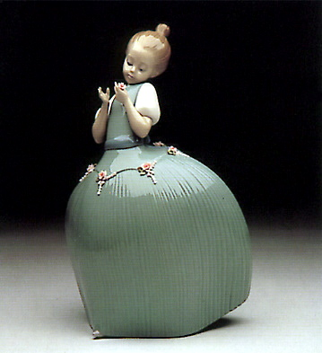 Girl Green Dress W-flower Lladro Figurine