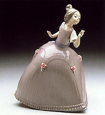 Girl Pink Dress W-flower Lladro Figurine
