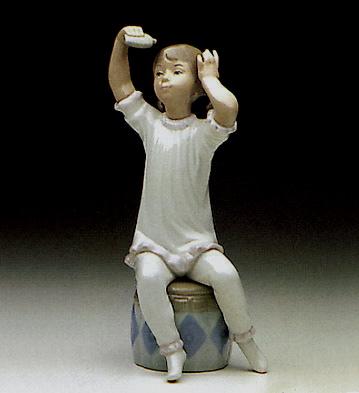 Girl Shampooning Lladro Figurine