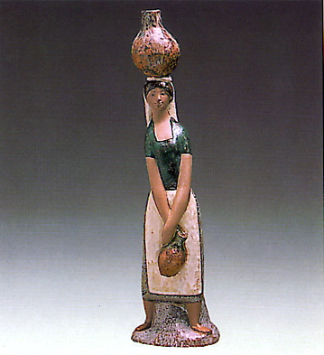 Girl To The Fountain Lladro Figurine