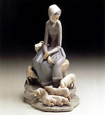 Girl W/ Piglets Lladro Figurine