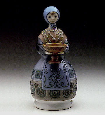 Girl W/ Traditional Dress And Gift Lladro Figurine
