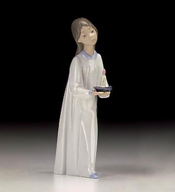 Girl With Candle Lladro Figurine