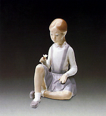 Girl With Flower Lladro Figurine
