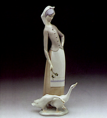 Girl With Geese Lladro Figurine