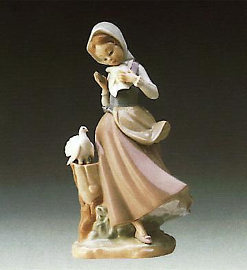 Girl With Pigeons Lladro Figurine