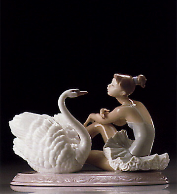 Grace And Beauty Lladro Figurine