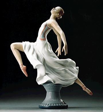 Graceful Ballet Lladro Figurine