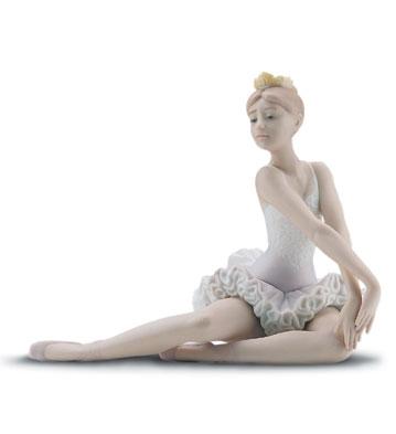 Graceful Pose Lladro Figurine