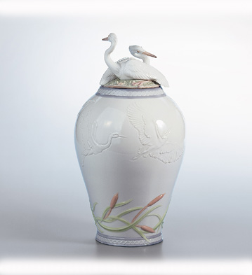 Herons' Realm Covered Vase Lladro Figurine