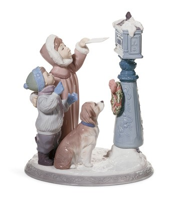 Holiday Wishes Lladro Figurine