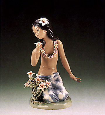 In A Tropical Garden Lladro Figurine
