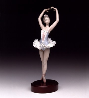 In Full Relave (b) Lladro Figurine