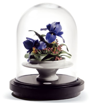 Iris Centerpiece Lladro Figurine