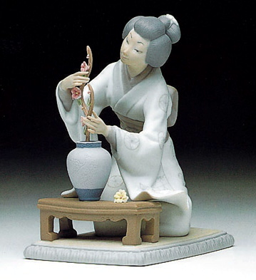 Japanese Girl Decorating Lladro Figurine