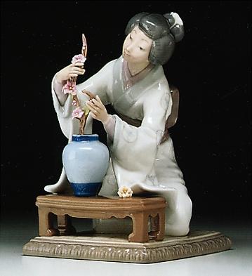 Japanese Girl Decorating Lladro Figurine